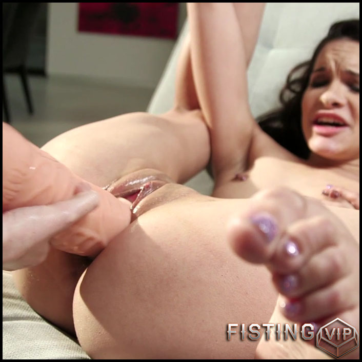 Eden And Ivy Go For Big Toys And Fists - Full HD-1080p, lesbian fisting, long dildo, solo fisting (Release September 12, 2017)1