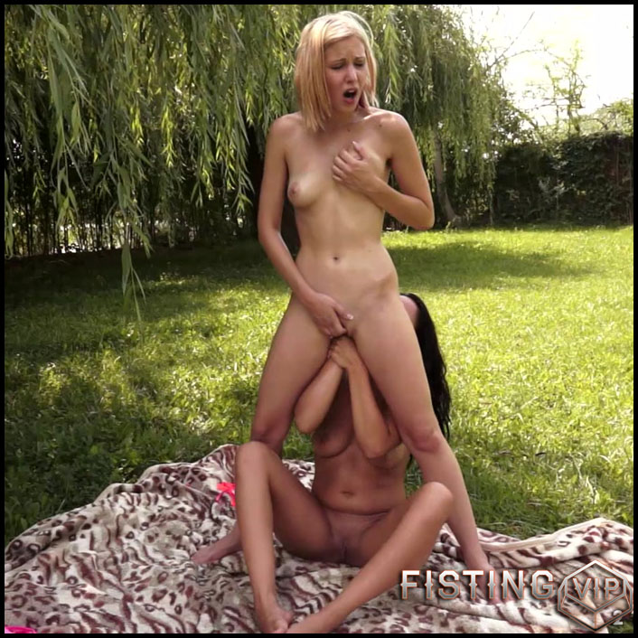 Fisting Session Summer Special CandySweet Dolly Diore - Full HD-1080p, extreme fisting, hardcore fisting, lesbian fisting (Release September 12, 2017)1
