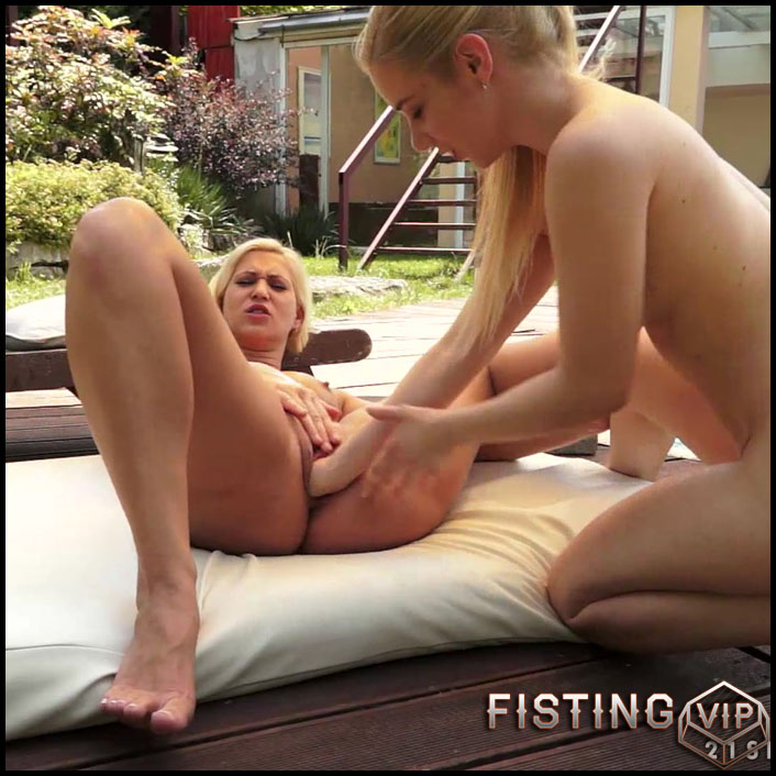 Fisting Sessionwith Lindaand Nesty - Full HD-1080p, fisting porn, lesbian anal fisting, lesbian fisting sex (Release September 22, 2017)1