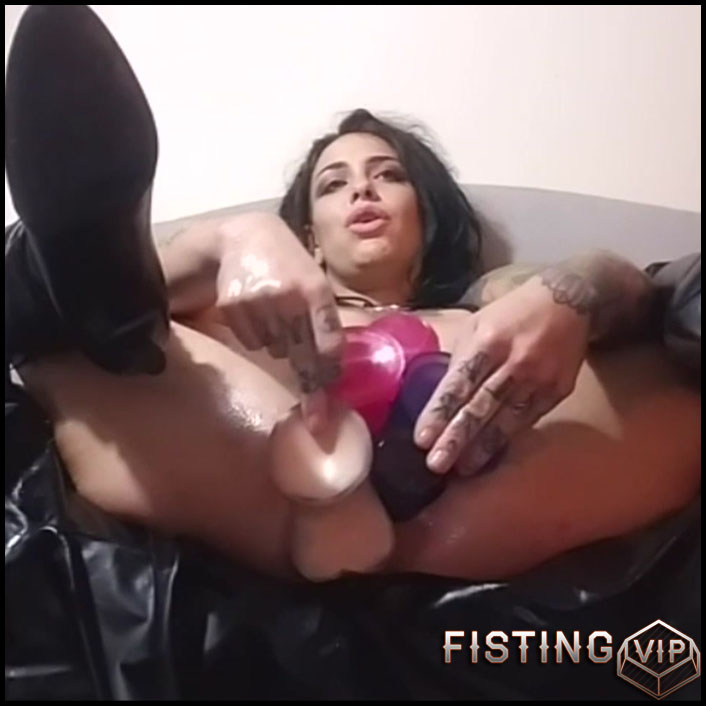 Homemade tattooed busty girl five dildo hard penetration in big pussy - HD-720p, pussy fisting, pussy insertion, solo fisting (Release September 12, 2017)