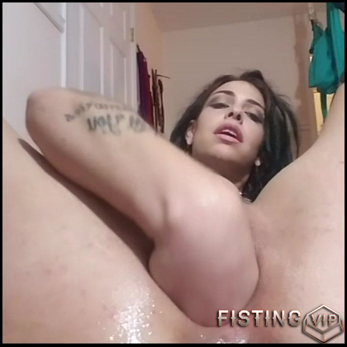 Homemade tattooed busty girl five dildo hard penetration in big pussy - HD-720p, pussy fisting, pussy insertion, solo fisting (Release September 12, 2017)1
