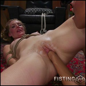 Mona Wales, Bella Rossi, Nikki Darling gangbang lesbians fisting domination – HD-720p, lesbian fisting, pussy fisting (Release September 12, 2017)