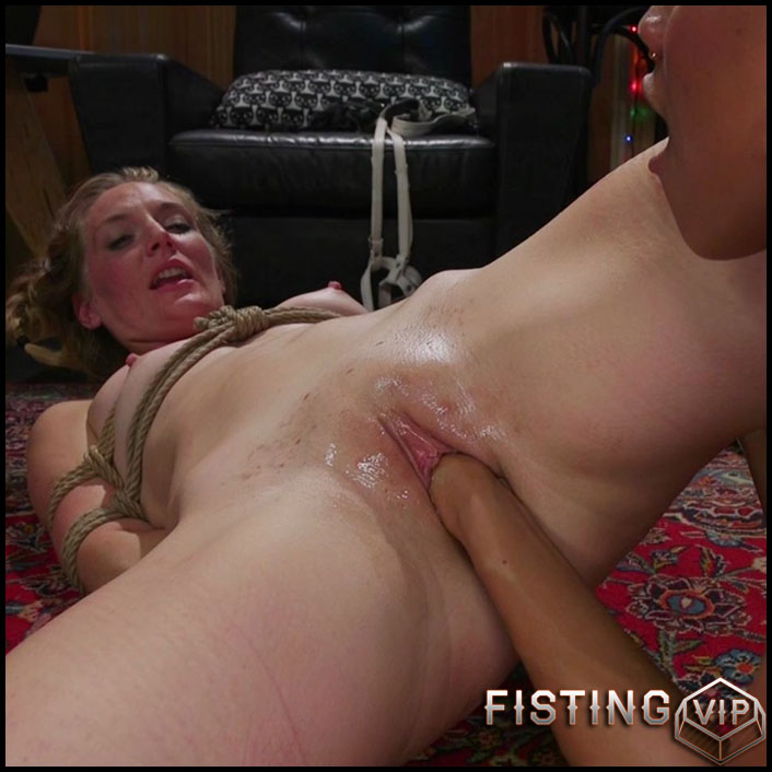 Mona Wales, Bella Rossi, Nikki Darling gangbang lesbians fisting domination - HD-720p, lesbian fisting, pussy fisting (Release September 9, 2017)