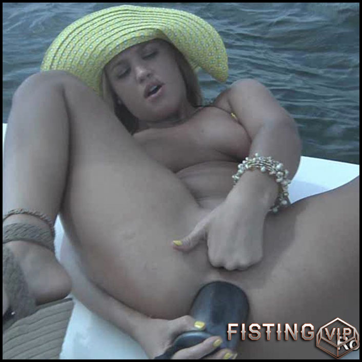 Roxy Raye Catching The Big One - solo fisting, extreme pussy fisting, Toys (Release September 24, 2017)