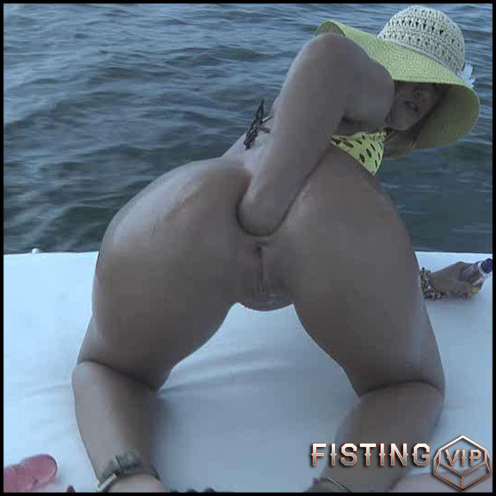 Roxy Raye Catching The Big One - solo fisting, extreme pussy fisting, Toys (Release September 24, 2017)1