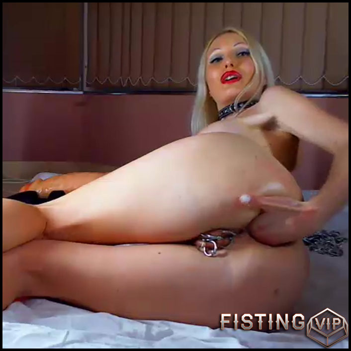 Russian busty girl monster dildo rides and anal fisting - solo fisting, huge dildo, dildo anal (Release September 28, 2017)