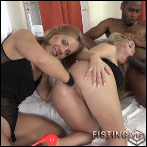 Sasha Zima and Isabella Clark anal fisting deep – HD-720p, double penetration, fisting anal, lesbian fisting (Release September 19, 2017)