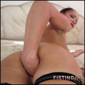 Solo Fistingwith Dolly – Full HD-1080p, solo fisting, extreme pussy fisting (Release September 9, 2017)