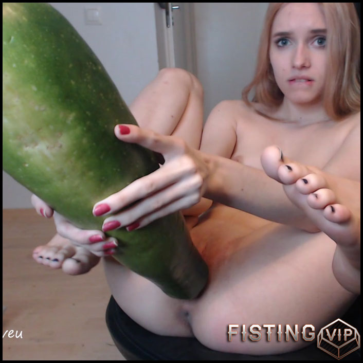 scarletloveu - My Big Zucchini - Full HD-1080p, colossal dildo, dildo anal, huge dildo (Release September 9, 2017)1