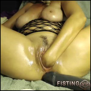 Busty mature solo fisting wet pussy closeup webcam – huge dildo, long dildo, solo fisting, webcam ( Release October 8, 2017)