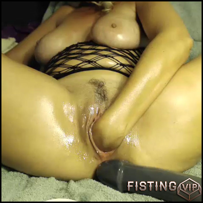 Busty mature solo fisting wet pussy closeup webcam - huge dildo, long dildo, solo fisting, webcam ( Release October 5, 2017)