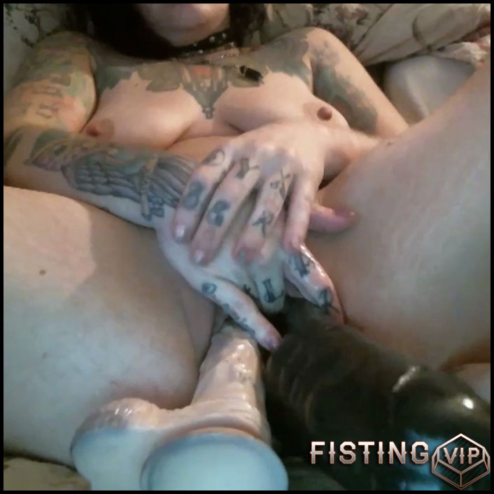 Extreme XL pussy stretching - HD-720p, big pussy fisting, extreme pussy fisting (Release October 8, 2017)