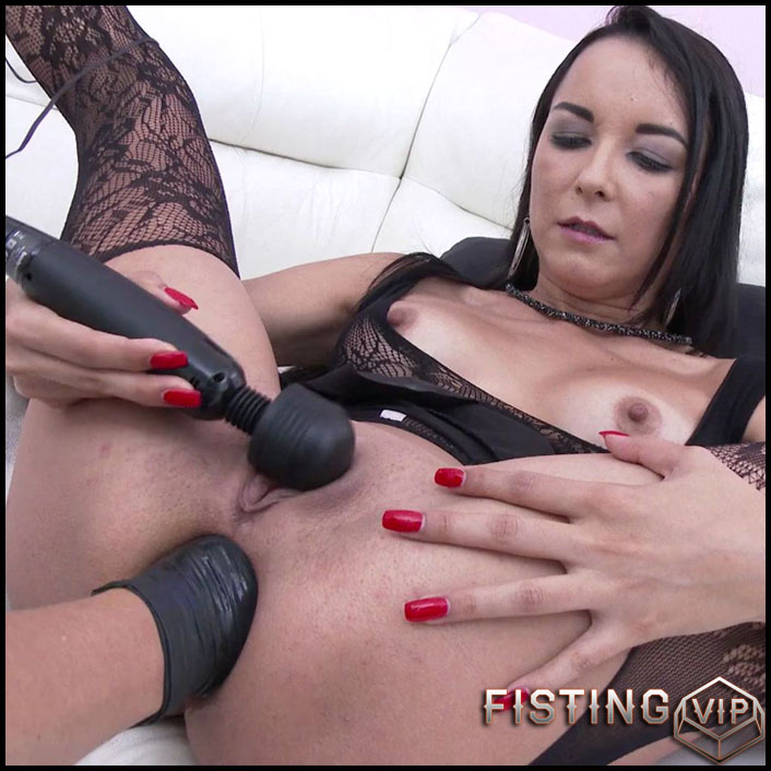 Francys Belle anal fisting and peeing domination - HD-720p, anal fisting, extreme fisting, hardcore fisting (Release October 10, 2017)