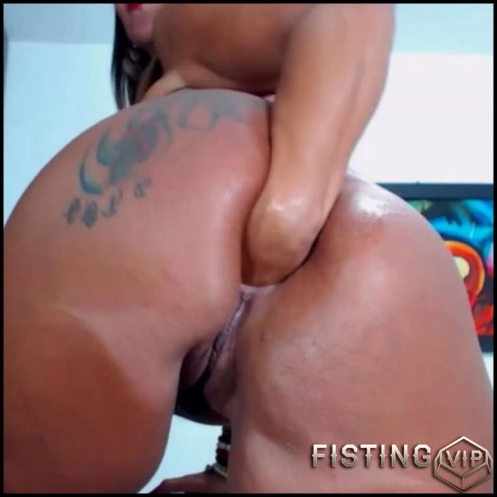 Rare video Bigassmoon anal prolapse loose after fisting - Full HD-1080p, anal fisting, solo fisting, prolapse (Release October 12, 2017)1
