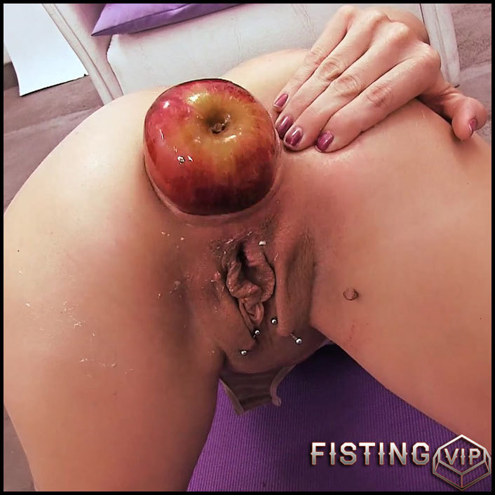 SexySasha gets big apples in her monster anal prolapse AN-246 - Argentina Naked Sasha - Full HD-1080p, anal fisting, apple anal, mature fisting (Release October 26, 2017)3