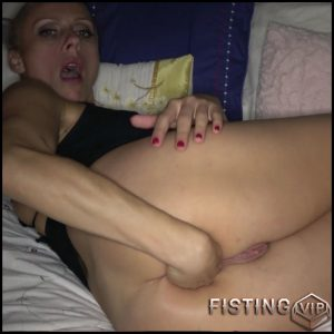 Brittany Bardot anal masturbation and prolapse – Full HD-1080p, solo fisting, anal prolapse (Release November 24, 2017)