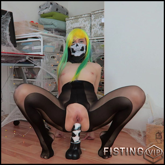 Mylene Halloween fisting porn and horse dildo rides - Full HD-1080p, fisting anal, solo fisting (Release November 15, 2017)