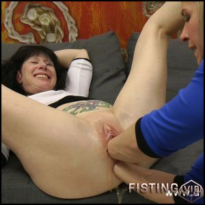 NikkiCurly & Dirtygardengirl fisting each other & lick asses – Full HD-1080p,  fisting depfile, download fisting, extreme fisting, hardcore fisting, lesbian fisting (Release November 13, 2017)
