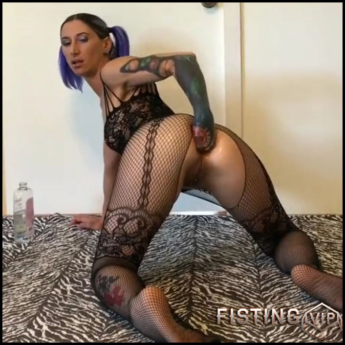 Amateur Solo Riding Dildos