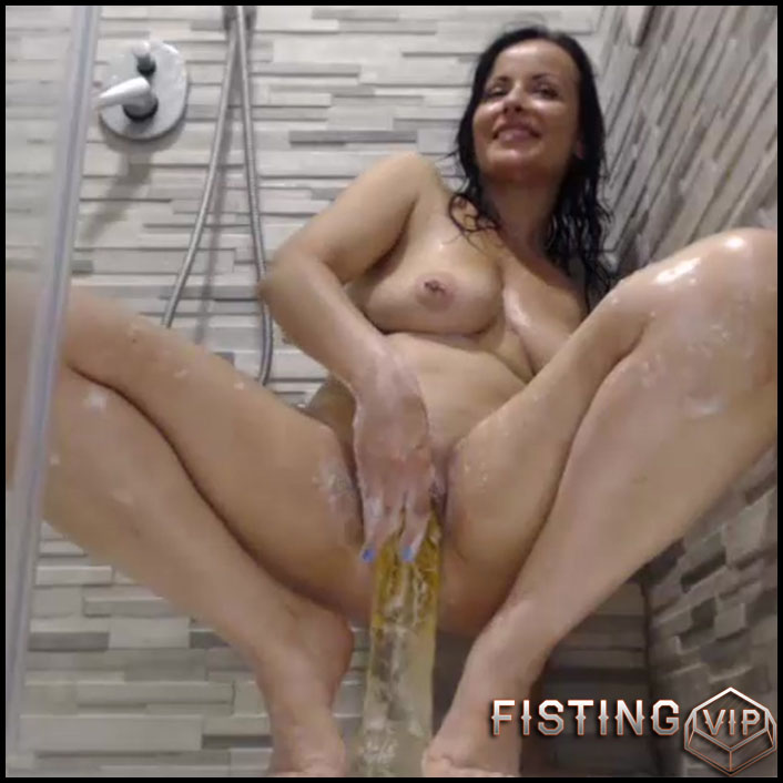 Games in the shower - long dildo, anal video (Release December 9, 2017)