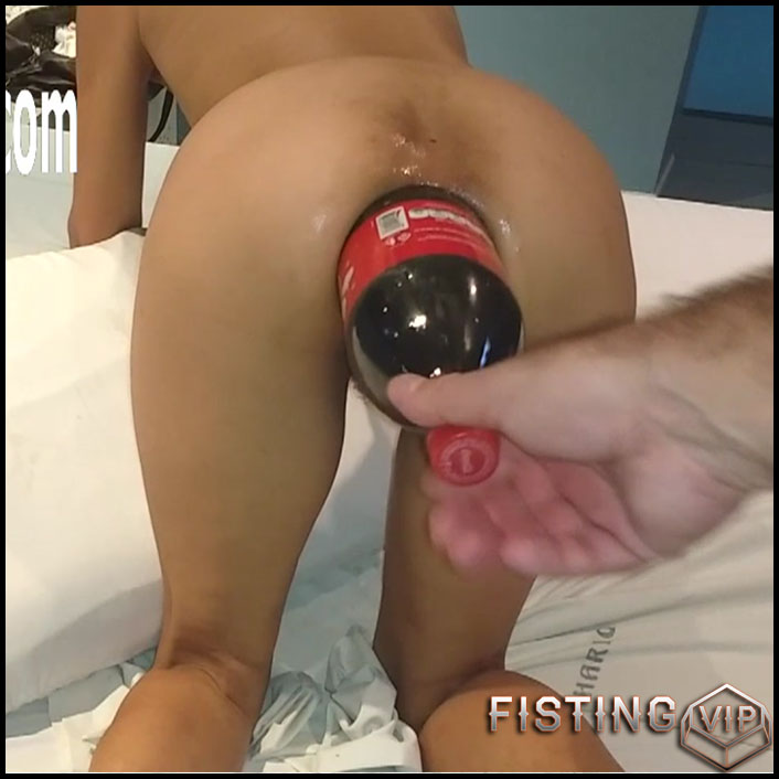 Extreme Anal Insertion Squirt