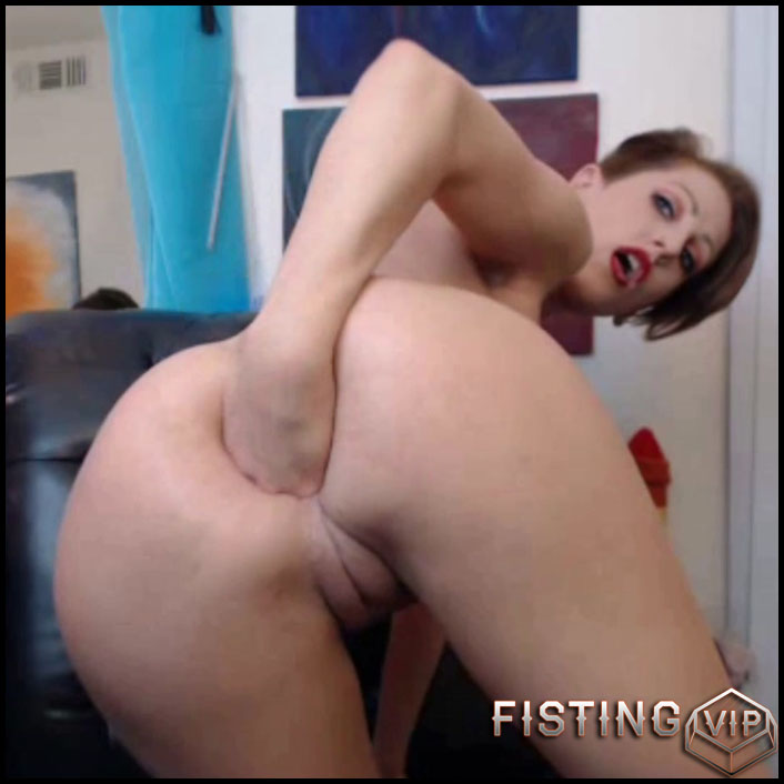 MoxiMinx green giant dildo extreme anal rides - Full HD-1080p, fisting anal, fisting herself, solo fisting (Release December 23, 2017)