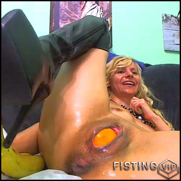 Sexy blonde double dildos and bananas penetration - RaisaWetsX - solo fisting, pussy fisting, vegetable porn (Release December 14, 2017) 1