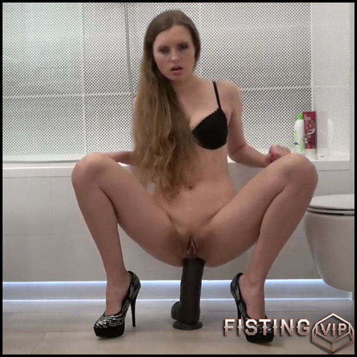 Sexy slut rides on a BBC dildo in the kitchen - Full HD-1080p, BBC dildo, dildo anal, dildo penetration (Release December 29, 2017)