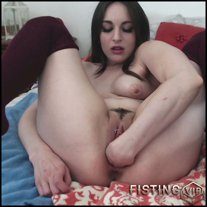 Kinky_Casey first fisting and cumlube creampies herself - HD-720p, pussy fisting, pussy insertion, solo fisting (Release January 8, 2017)