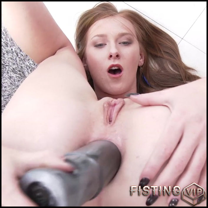 Linda Sweet monster anal gape ruined with huge dildo - HD-720p, anal, anal insertion, anal stretching (Release January 8, 2017)