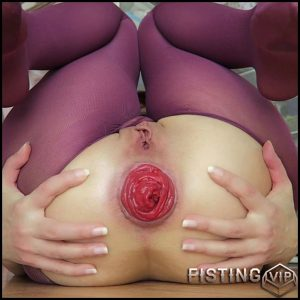 Mylene Thankful. XXX rosebud, prolapse close up – Full HD-1080p, anal prolapse, anal stretching, nylon fetish (Release January 15, 2017)