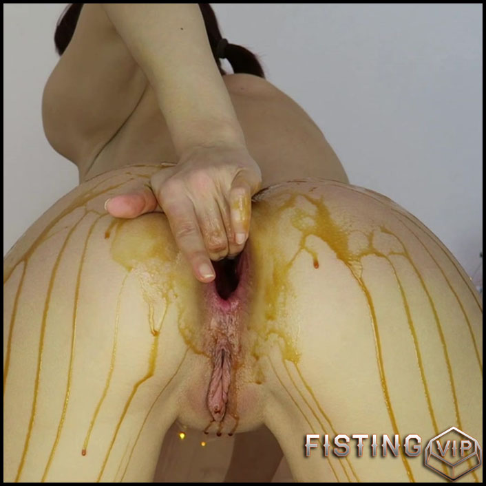 Mylene slow caramel farts, prolapse - Full HD-1080p, anal fisting, anal insertion, anal prolapse (Release January 8, 2017)