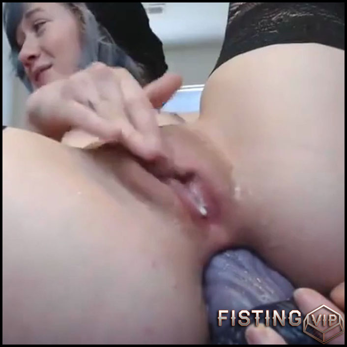 Close Up Fingering Solo