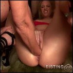 Booty milf gets fisted and dildo fuck vaginal gangbang amaeur – HD-720p, huge dildo, pussy fisting, pussy insertion (Release February 15, 2017)