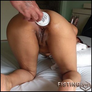 Booty wife gets pringles bottle fully in asshole – HD-720p, bottle penetration, dildo anal, double fisting (Release February 8, 2017)