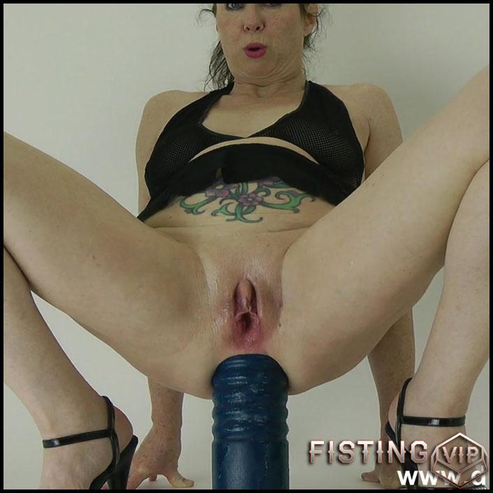 DirtyGardenGirl monster dildo rides and loose colossal anal prolapse - Full HD-1080p, colossal dildo, dildo anal, huge dildo (Release February 11, 2017)