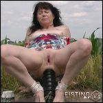 DirtyGardenGirl rides on a monster black dildo outdoor – Full HD-1080p, colossal dildo, dildo anal, monster dildo (Release February 11, 2017)