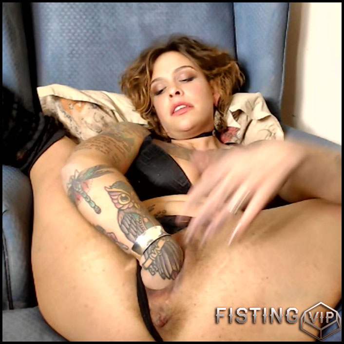 Extremistkinkster extreme stretch and fuck masturbation - solo fisting, huge dildo, monster dildo (Release February 15, 2017)