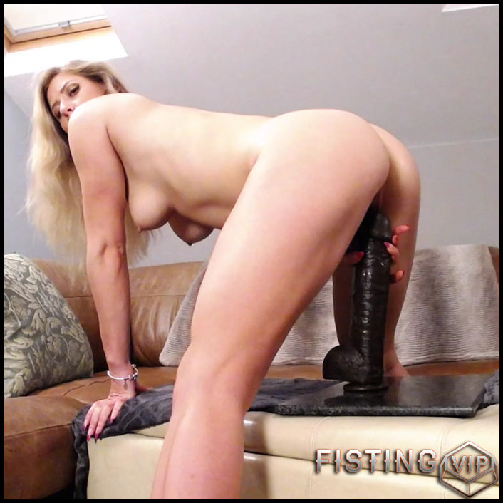 Webcam Solo Girl Riding Dildo