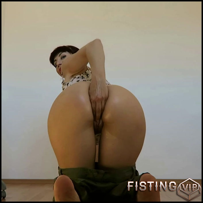 Mylene cotton pants wetting, fisting - Full HD-1080p, anal fisting, solo fisting (Release March 14, 2018)