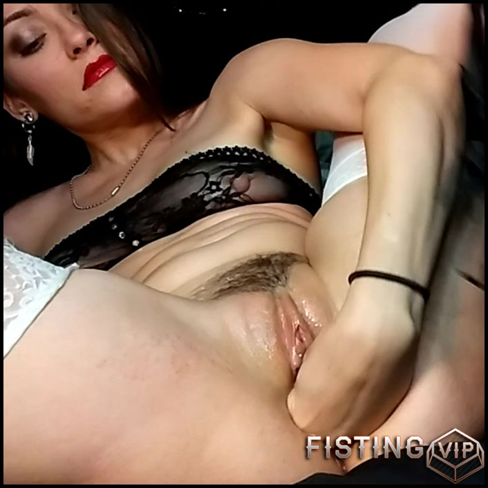 AdalynnX fisting and cumming with my speculum - Full HD-1080p, amateur fisting, pussy fisting, solo fisting (Release April 14, 2018)