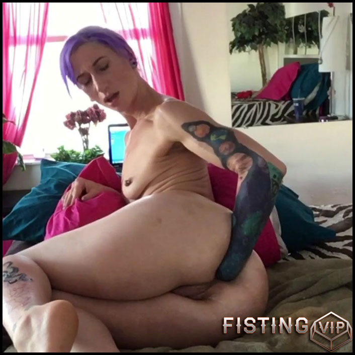 Badlittlegrrl all my favorites – fisting and monster butplug anal - Full HD-1080p, anal fisting, huge dildo, solo fisting (Release April 4, 2018)