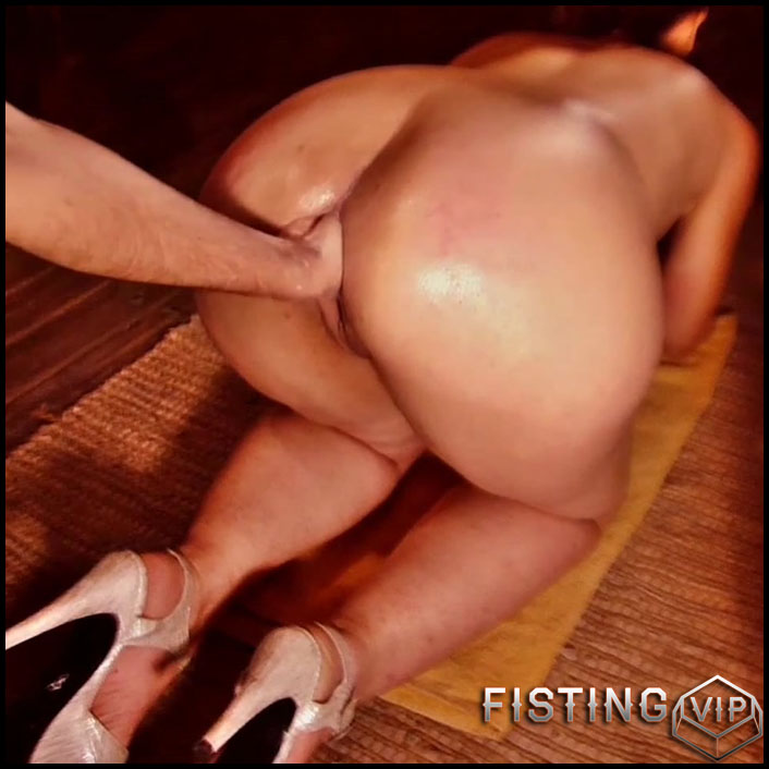 Husband fisted his booty wife in doggy style pose hardcore homemade - Full  HD-1080p
