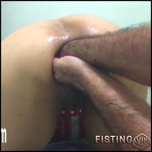 Sexy wife gets fisted and bottle in prolapse anus homemade – HD-720p, amateur fisting, double fisting (Release April 29, 2018)