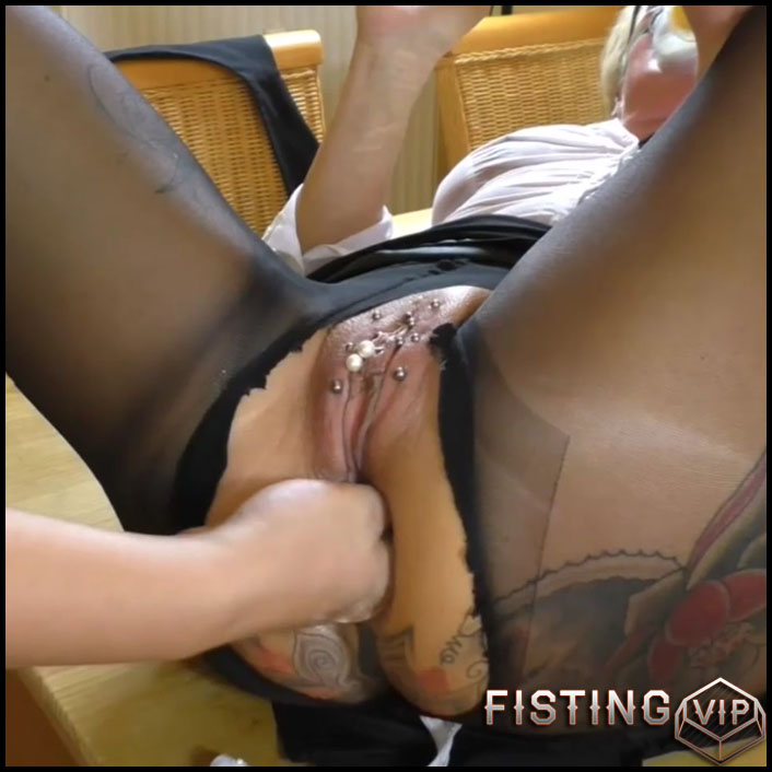 Mature takes anal and get fisted