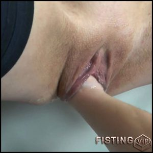 Deep vaginal fisting POV amateur porn with dirty german girl – Sexy Naty – Full HD-1080p, lesbian fisting, pussy fisting (Release May 14, 2018)