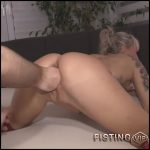Nighkiss66 gets fisted from her girlfriend amateur – HD-720p,  mature fisting, pussy fisting (Release May 12, 2018)