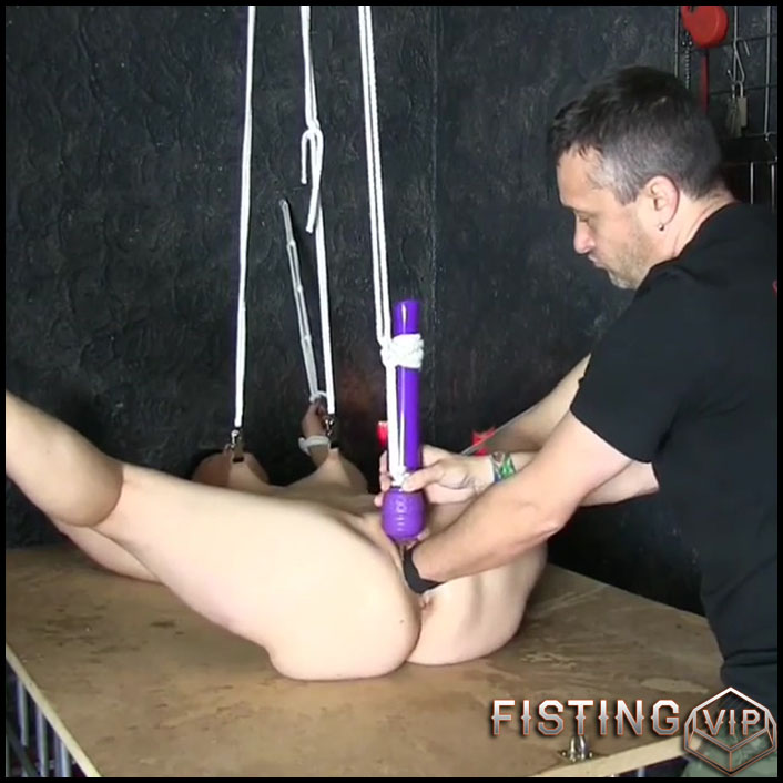 Roped wife gets fisted from husband homemade - HD-720p, amateur fisting, fisting sex, girl gets fisted (Release May 13, 2018)