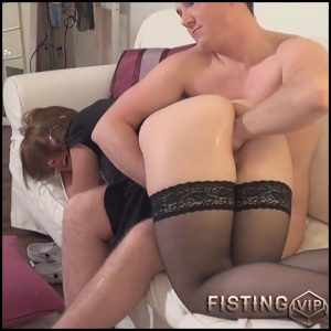 Sexy booty housewife gets fisted homemade from husband – HD-720p, amateur fisting, couple fisting, pussy fisting (Release May 30, 2018)