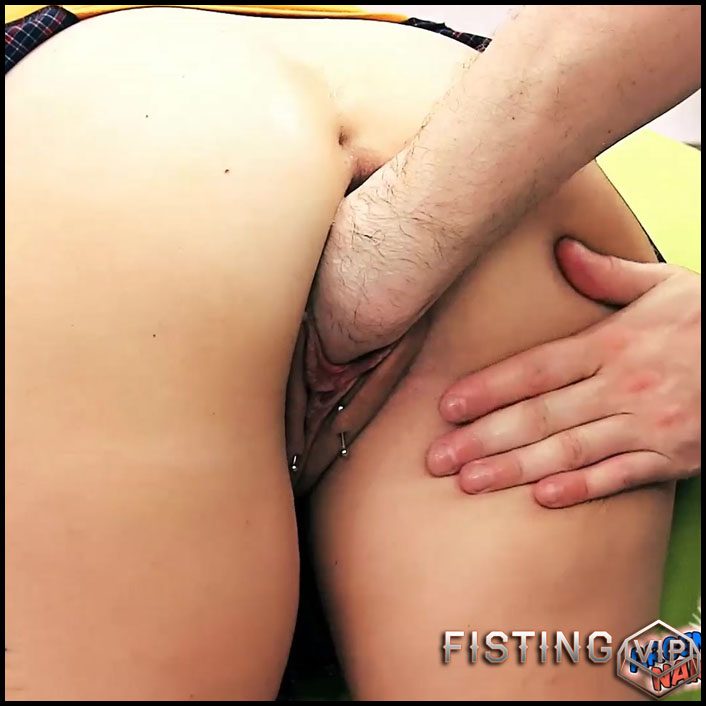 SexySasha gets fisted and pump monster anal prolapse in doggy pose - Full HD-1080p, couple fisting, mature fisting, pussy fisting (Release May 22, 2018)
